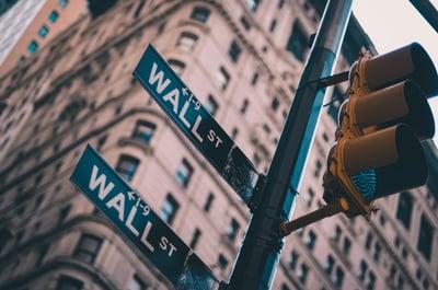 wallstreet-hedgefunds-redditandgamestop-investinginrealestate